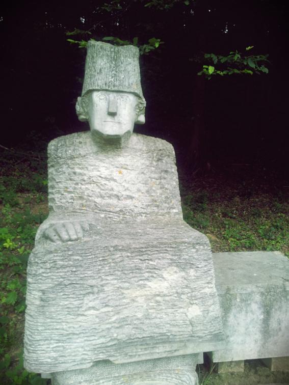 11 Sculptura-muzeul-Florean