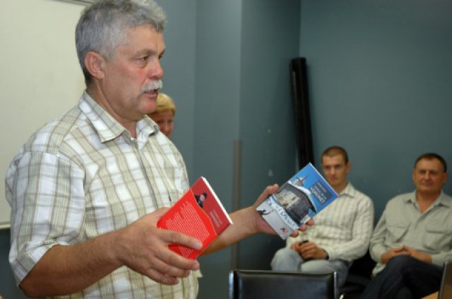 Scriitorul basarabean Vasile Soimaru isi lanseaza doua volume in Baia Mare