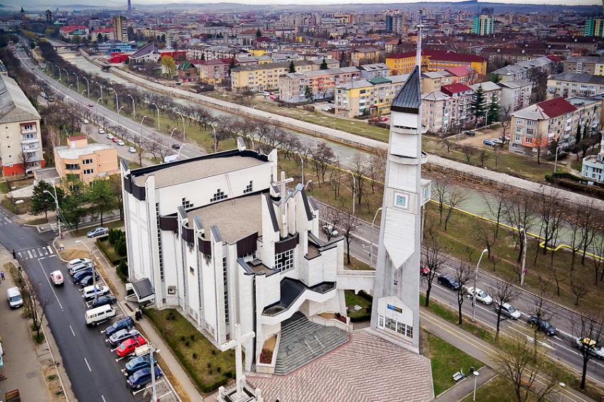 biserica sfanta cruce