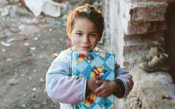 Campania ShoeBox donează cadouri copiilor sărmani