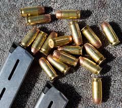 Arme, muniții și carne de vânat confiscate de la maramureșeni