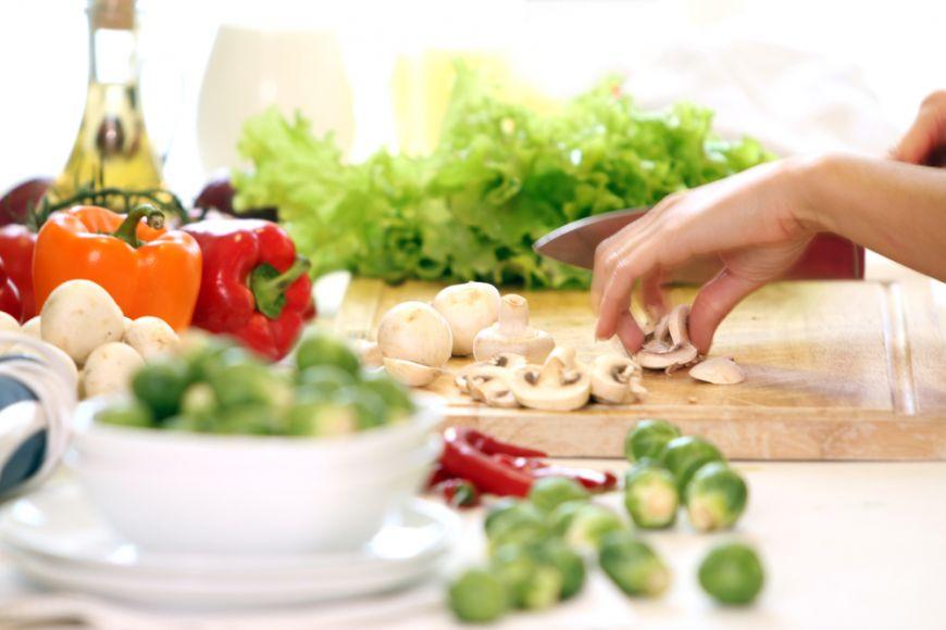 Îți place să gătești? Intră în magazinul pasionaților de gătit KitchenShop