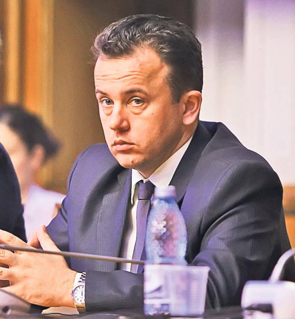 Senatorul agramat PLM propus din nou ca ministru
