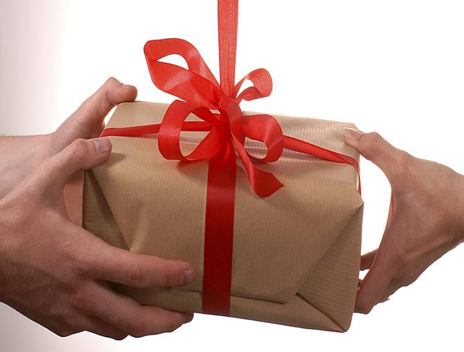 Ce le-ați dona oamenilor sărmani de Crăciun?