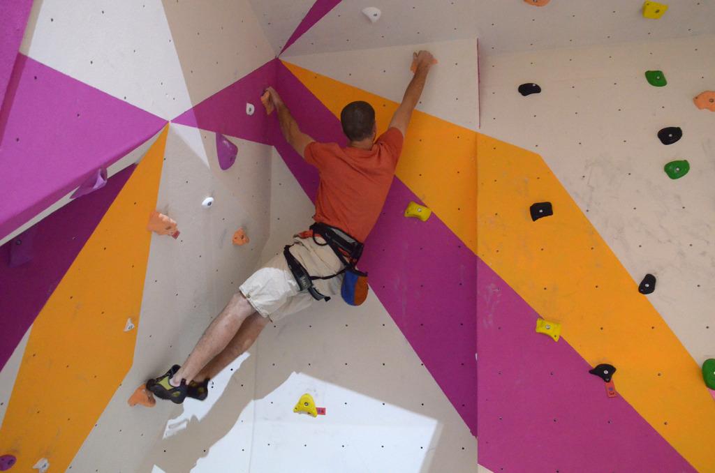 S-a deschis prima sală de escaladă din Baia Mare