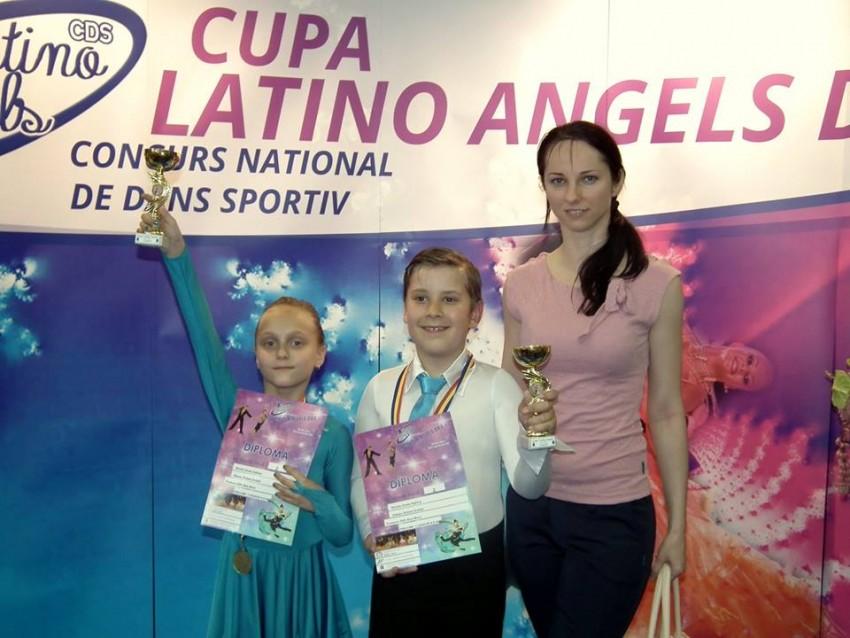Precompetitional, 8-9 ani, 2 dansuri, Robert si Sabina
