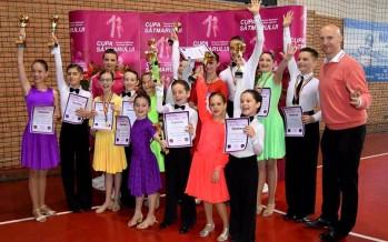 Prodance 2000 Baia Mare a cucerit 14 medalii la Cupa Sătmarului