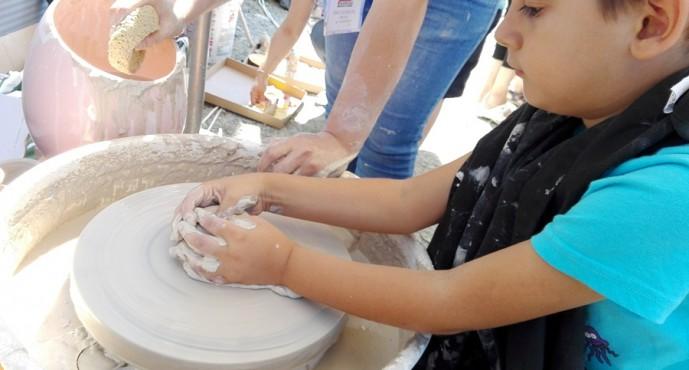 Legenda FAIMAR continuă: ceramistul băimărean, un adevărat artist, cu produse apreciate în toată lumea