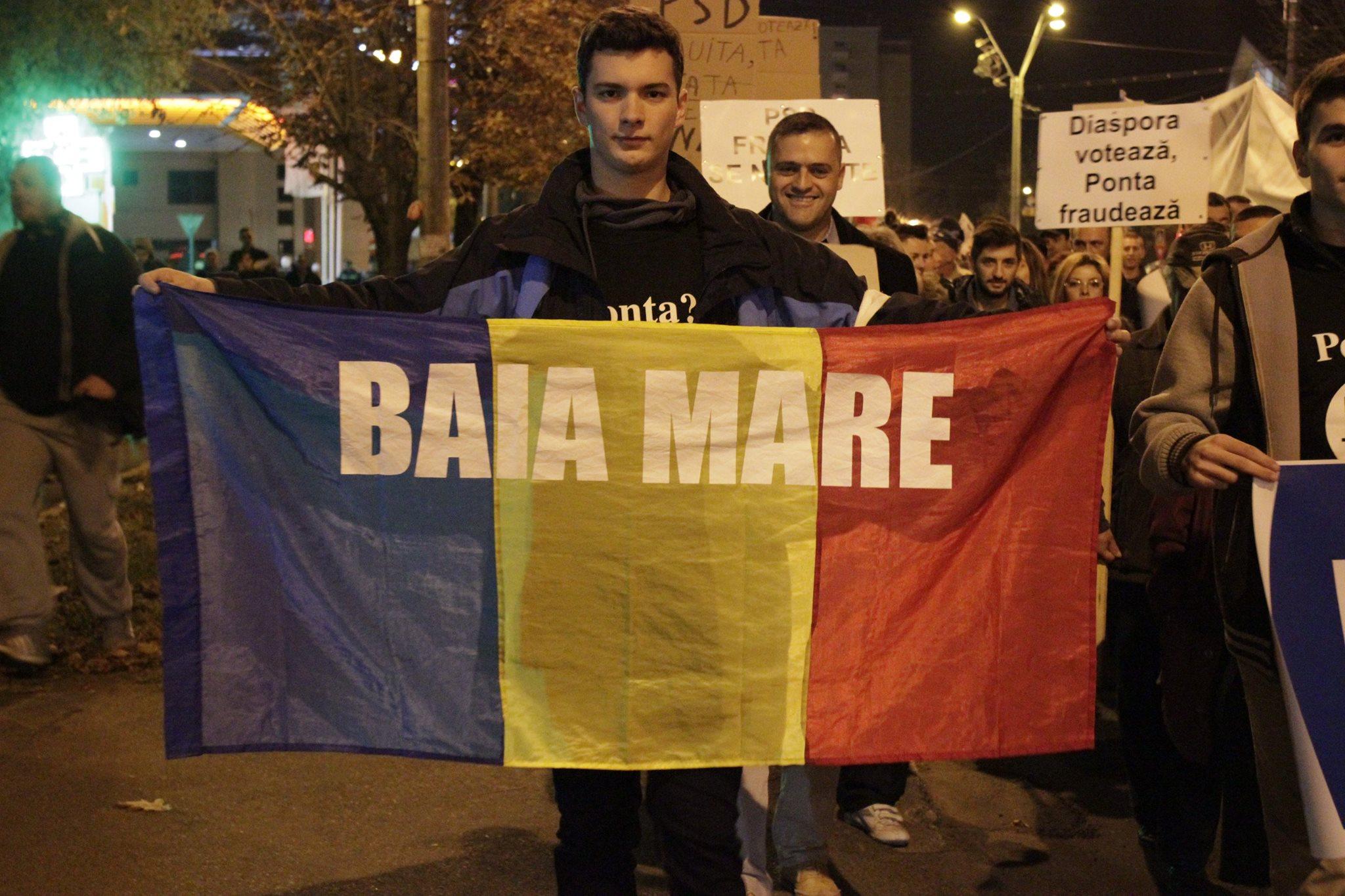 """Filmul protestul de aseară din Baia Mare. Un mare """"dislike"""" clasei politice corupte"""