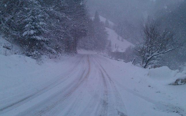 Șase școli din Cavnic au fost închise din cauza zăpezii